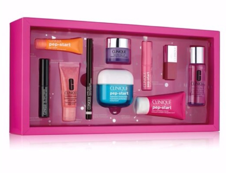 boots-clinique-holiday-swag-box-c2a360.jpg